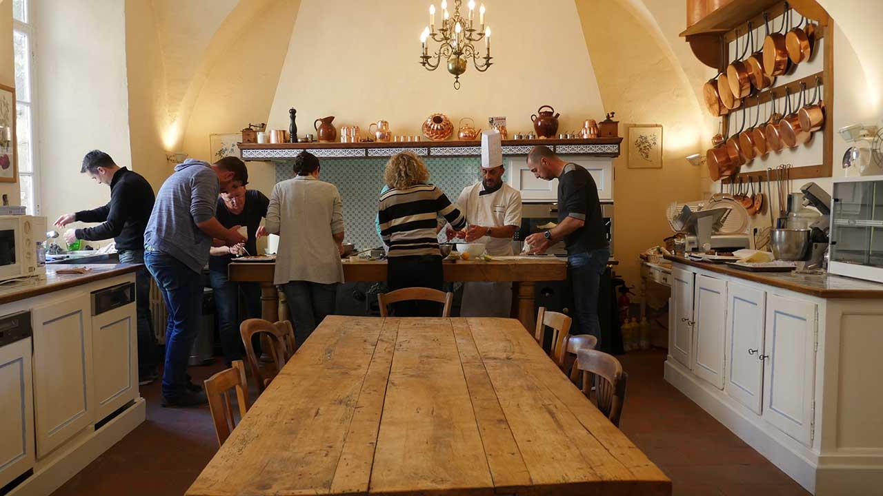Team building auvergne ch teau de parentignat - Cours de cuisine vichy ...